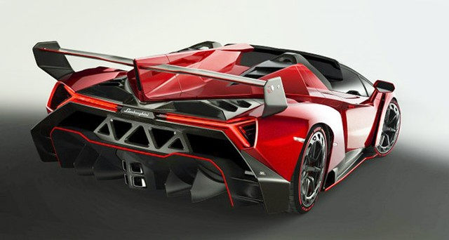 veneno-roadster-back-850x403-34b43